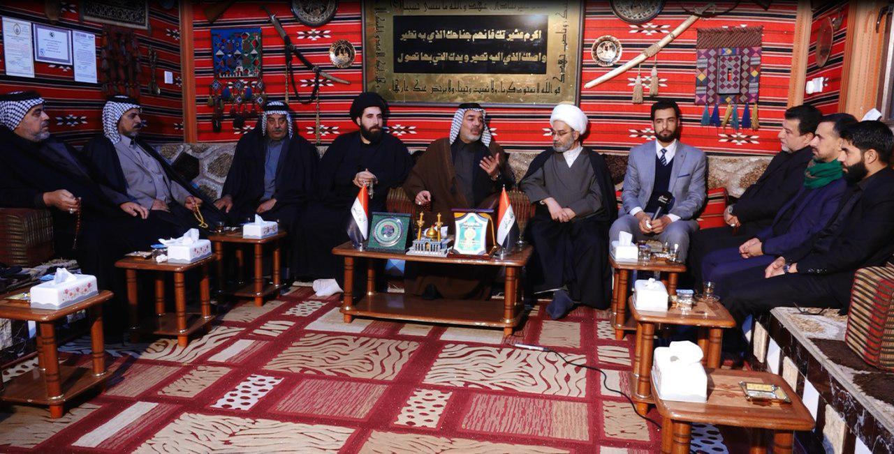 تصویر دیدار مسئولان مجموعه رسانهای امام حسین علیه السلام و موسسه مصباح الحسین، با شخصیتهای شهر مقدس کربلا