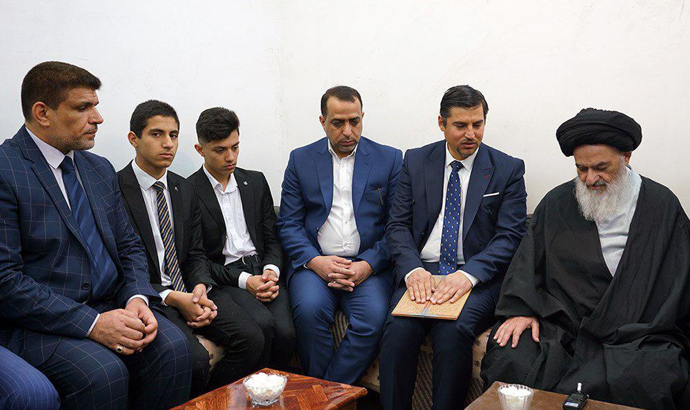 تصویر دیدار فعالان سیاسی و فرهنگی عراق با مرجعیت شیعه آیت الله العظمی شیرازی