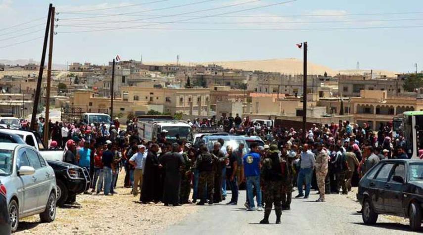 تصویر بازگشت بیش از هزار آواره سوری از لبنان به کشور خود