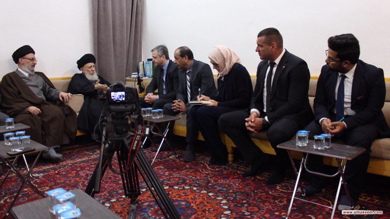 تصویر مرجعیت و حوزه شیعیان را به همزیستی مسالمت آمیز دعوت می کنند