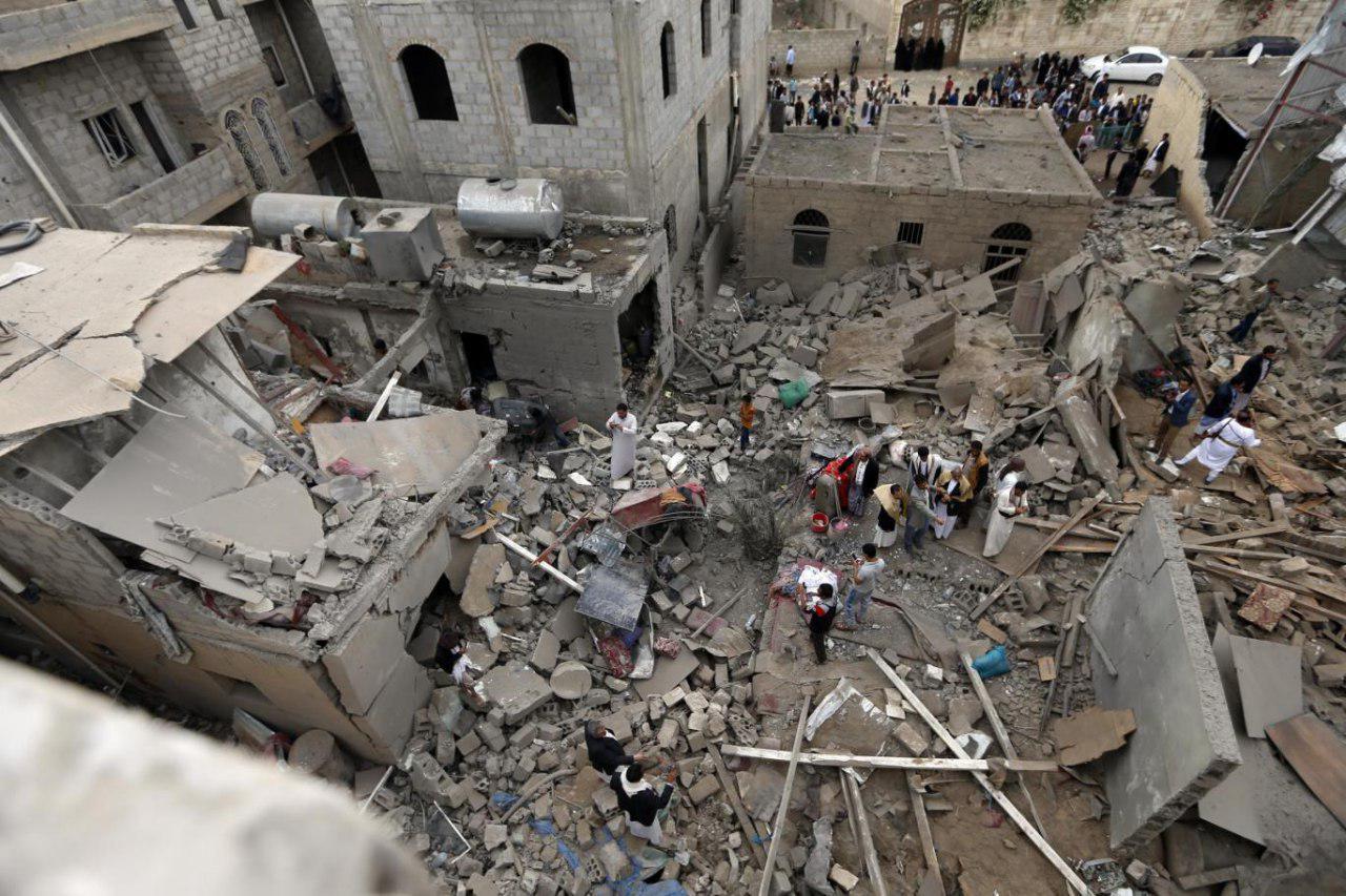 تصویر ۱۲ شهید و مجروح از یک خانواده در پی حمله ائتلاف سعودی به یمن