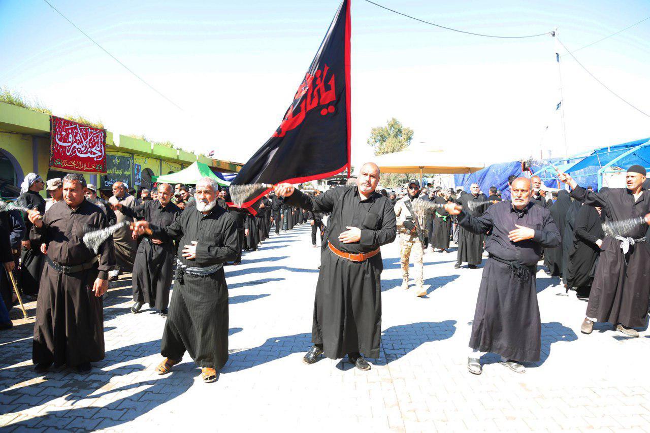 تصویر گزارش تصویری ـ حضور میلیونی شیعیان در حرم مطهر عسکری در سالروز شهادت امام هادی علیه السلام در شهر سامرا