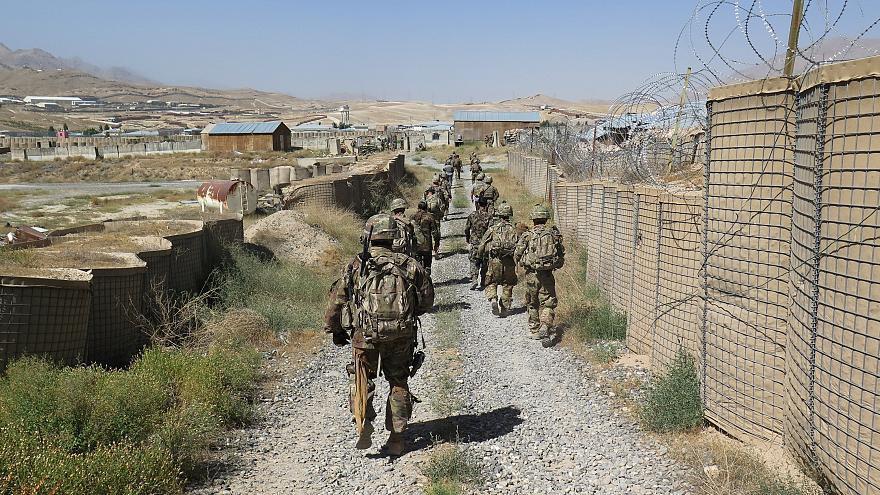 تصویر پنچ سرباز ارتش افغانستان در حمله هوایی آمریکا جان باختند