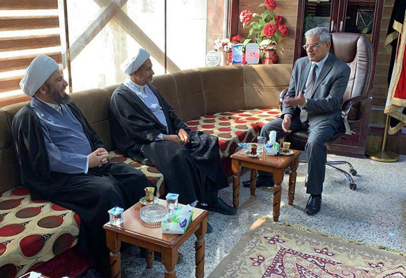 تصویر بازدید هیئت نمایندگی دفتر مرجعیت شیعه در نجف از دانشگاه های بابل