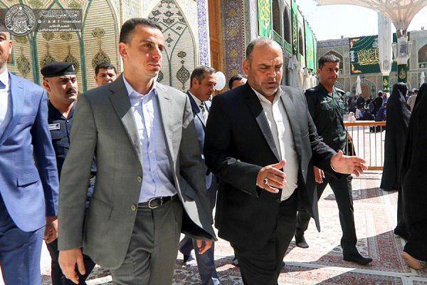 تصویر حضور معاون سفیر مصر در عراق در حرم  مطهر علوی