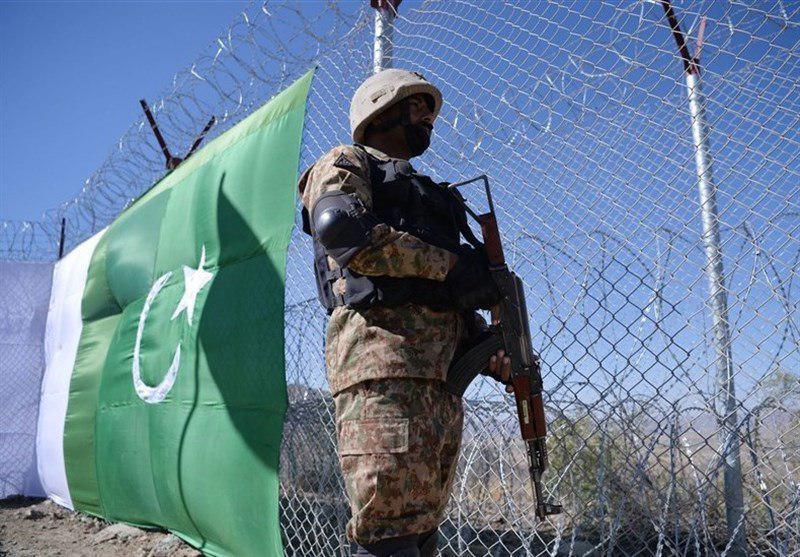 تصویر اجرای طرح حصارکشی مرزهای پاکستان با ایران