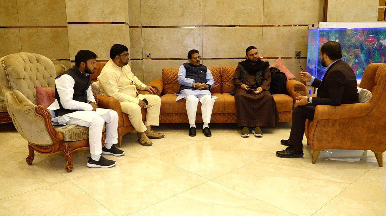 تصویر ملاقات مدیر شبکه امام حسین علیه السلام4 به زبان اردو ، با رئیس کمیته امور اقلیت های دینی هندوستان