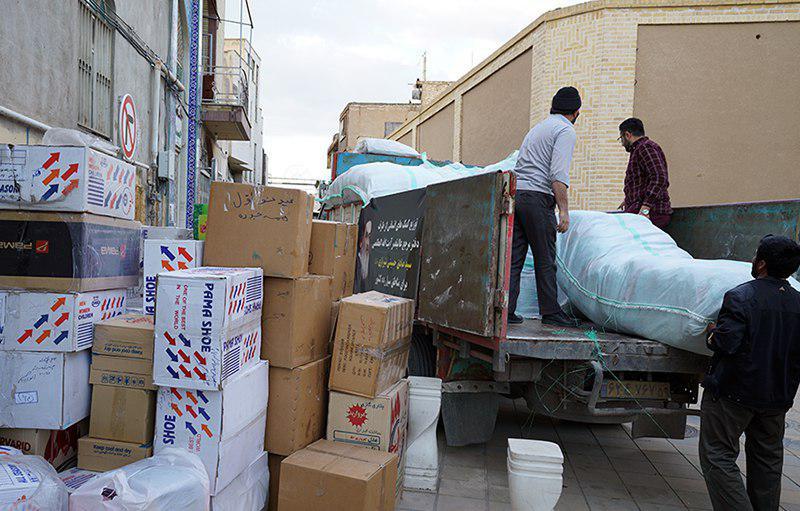 تصویر اعزام هیئت امدادرسانی دفتر مرجعیت شیعه به مناطق سیل زده ایران