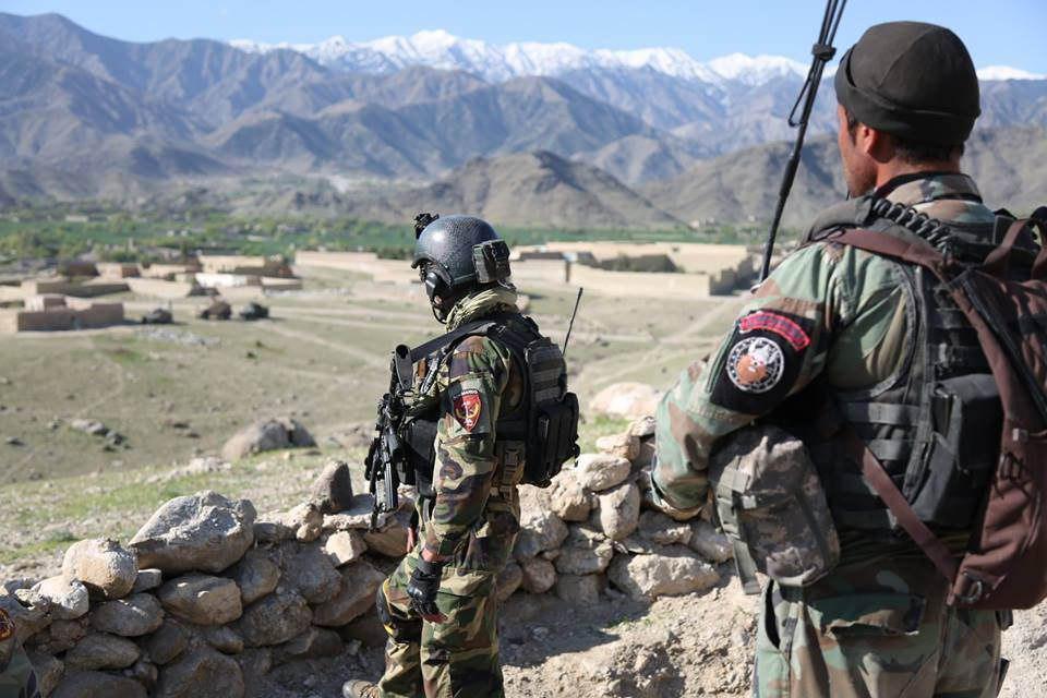 تصویر حمله عناصر طالبان افغانستان به پاسگاهی در بلخ