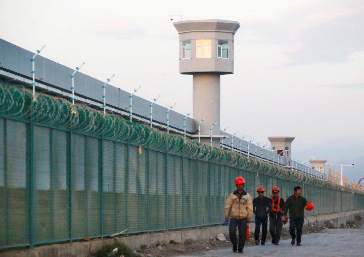 تصویر نگهداری یک میلیون مسلمان در اردوگاه کار اجباری در چین