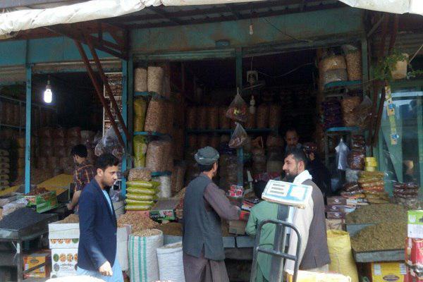 تصویر گرانی کالاها در ماه رمضان از مشکلات پیش روی روزه داران در «بلخ» افغانستان