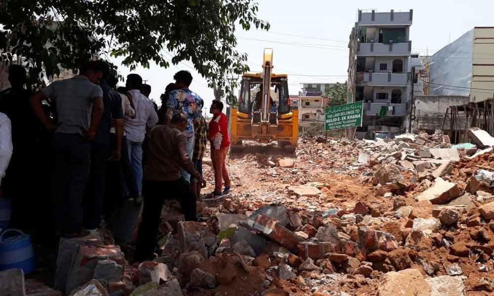 تصویر بازسازی اماکن مذهبی تخریب شده شیعیان، توسط شهرداری حیدرآباد هند