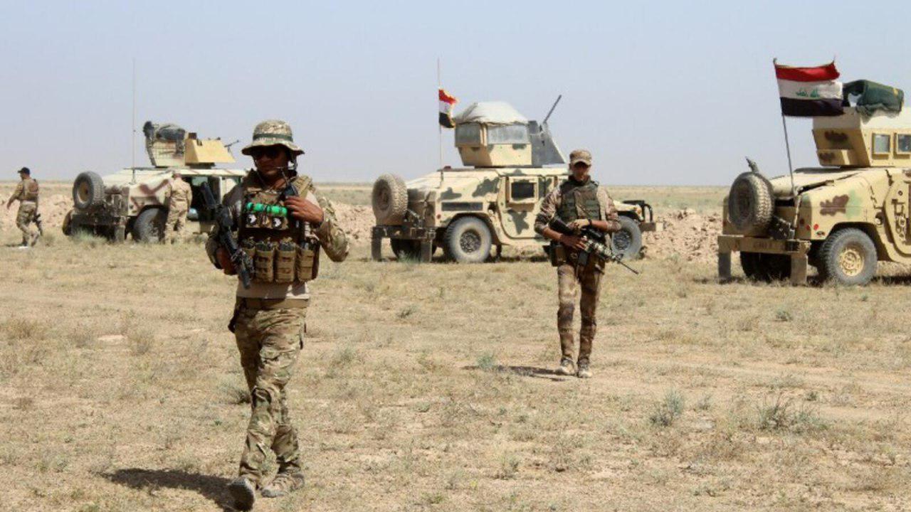 تصویر انهدام ۲ مقر داعش در استان الانبار عراق