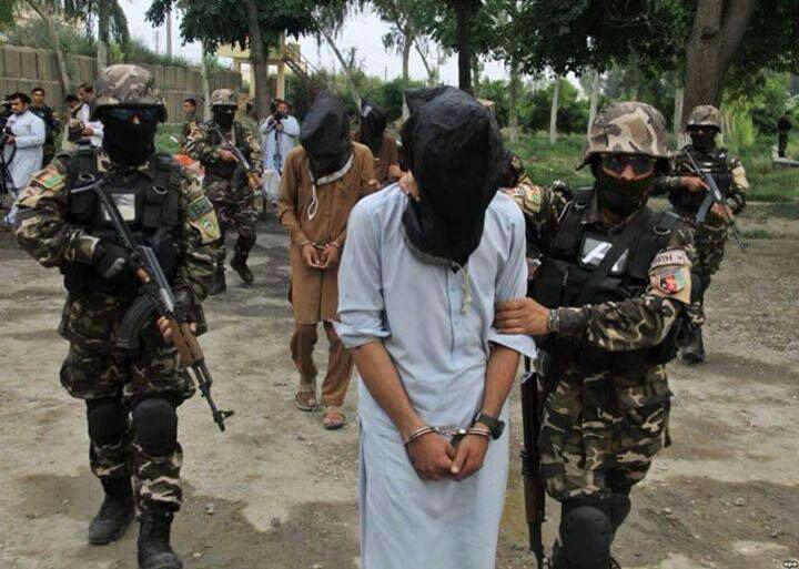 تصویر شناسایی و بازداشت گروهکی از سنی های تندروی داعش در کابل