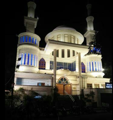 تصویر مسجد حیدرآباد هند درهایش را به روی غیر مسلمانان گشود