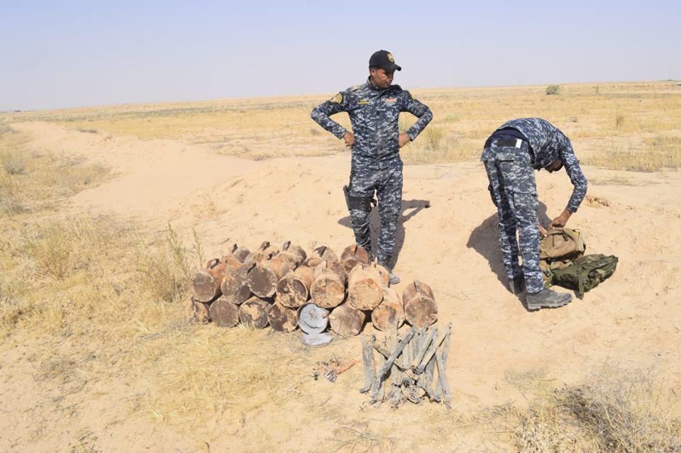 تصویر کشف و خنثی سازی ۳ بمب انتحاری در نزدیکی شهر سامرای عراق
