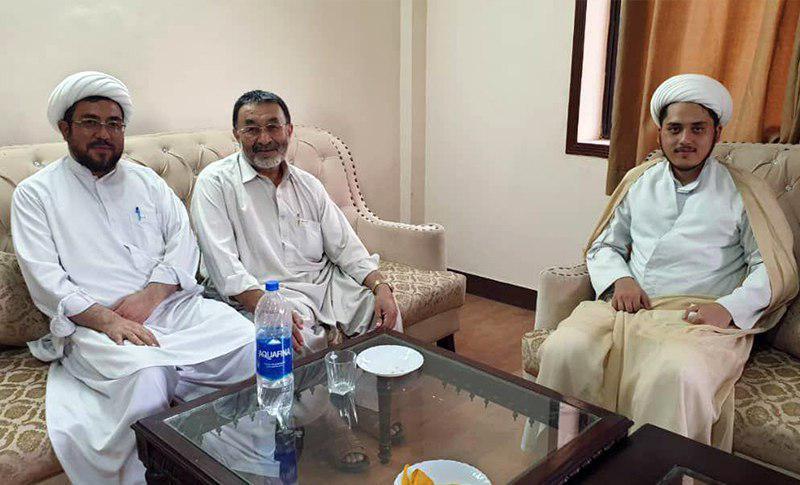 تصویر دیدار نمایندگان دفتر مرجعیت شیعه در پاکستان با شخصیت های دینی و اجتماعی این کشور
