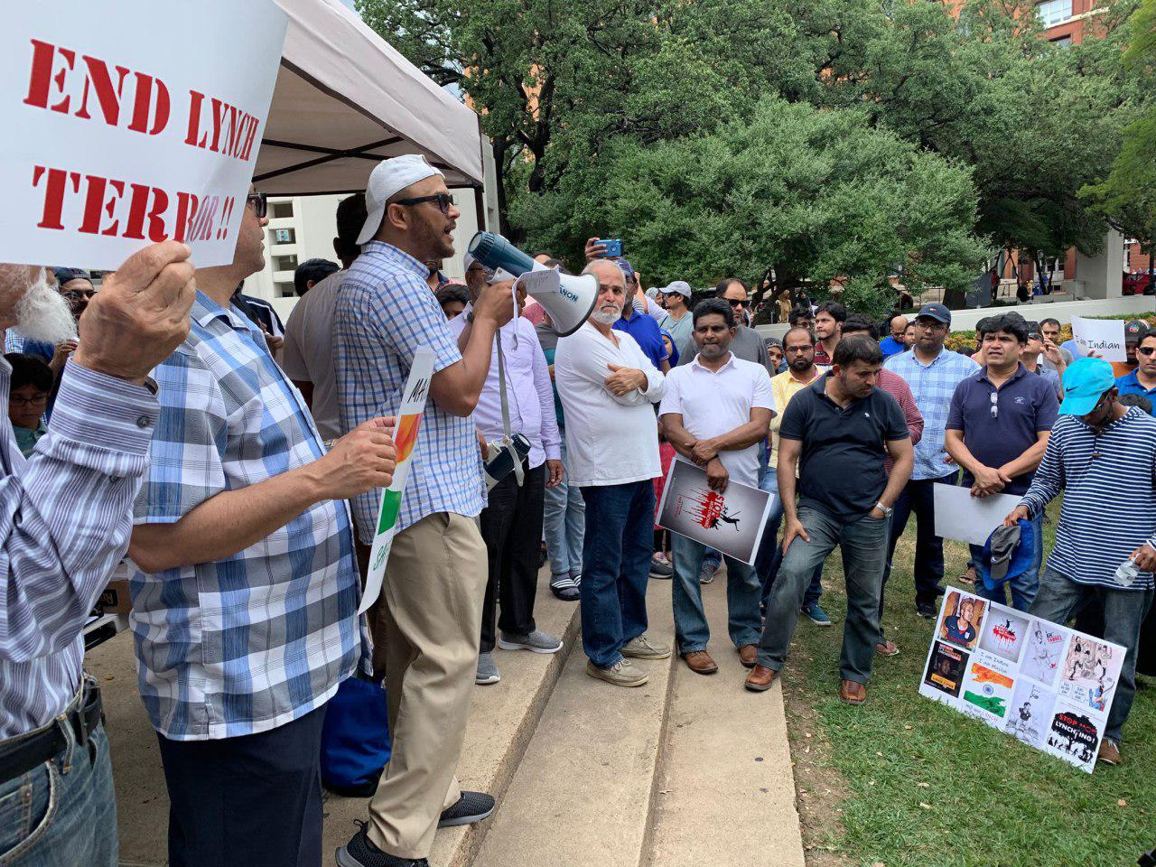 تصویر مسلمانان تگزاس در اعتراض به خشونت علیه مسلمانان هند تظاهرات کردند