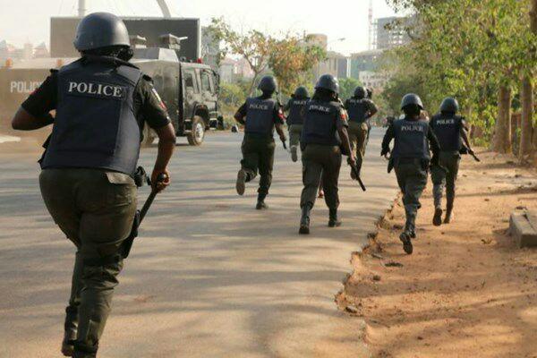 تصویر حمله چند باره ارتش نیجریه به شیعیان معترض به ادامه بازداشت زکزاکی