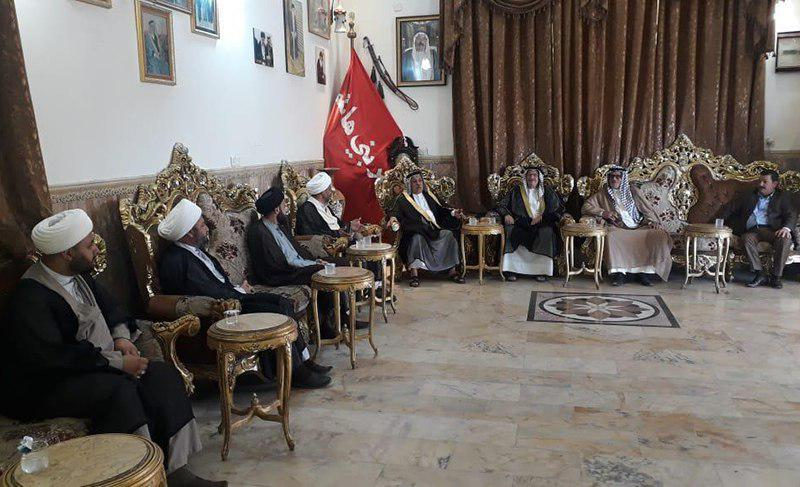 تصویر دیدار نمایندگان دفتر مرجعیت شیعه با شیوخ عشایر  بغداد