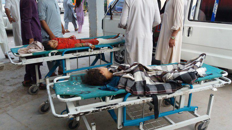 تصویر انفجار انتحاری در بیمارستان مرکزی منطقه دیره اسماعیل خان پاکستان