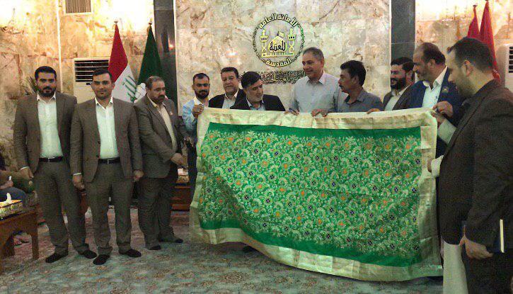 تصویر ارادت وزیر دفاع غیر مسلمان هندوستان به امام حسین علیه السلام