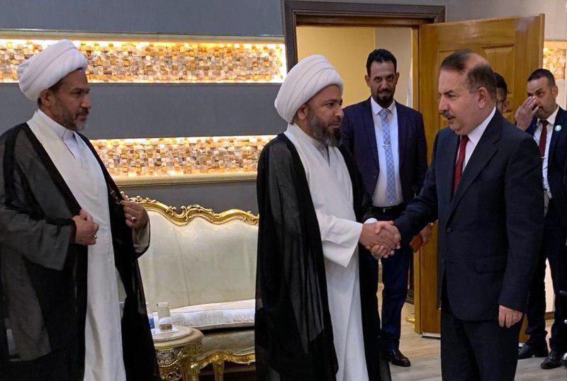 تصویر ملاقات هیئت نمایندگی دفتر آیت الله العظمی شیرازی با وزیر کشور عراق در بغداد