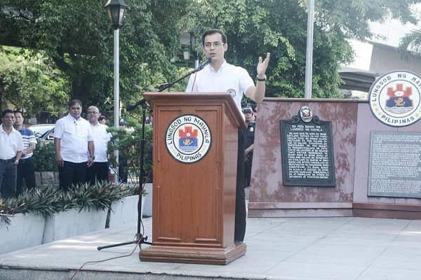 تصویر آمادگی شهردار مانیل برای ساخت قبرستان مسلمانان