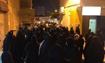 تصویر ادامه تظاهرات بحرینیها در محکومیت اعدام ۲ جوان شیعه
