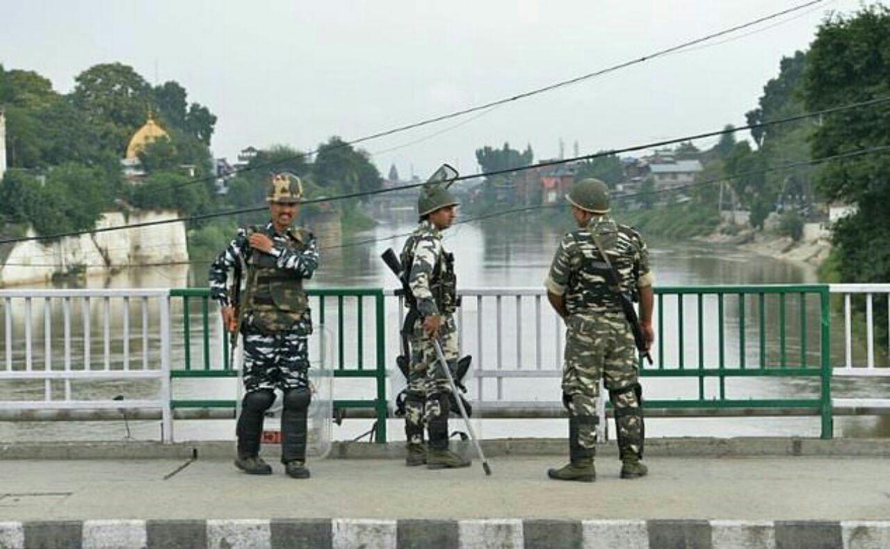تصویر دیده بان حقوق بشر: نیروهای دولت هند از کشمیر عقبنشینی کنند