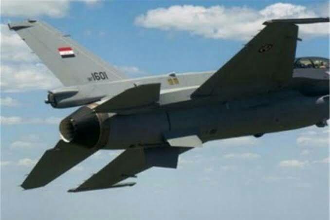 تصویر هلاکت دو داعشی در حمله هوایی ارتش عراق