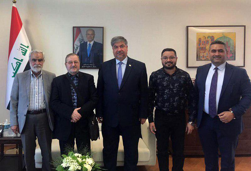 تصویر ملاقات رئیس انجمن الخیر والبرکة با سفیر کشور عراق در کشور هلند