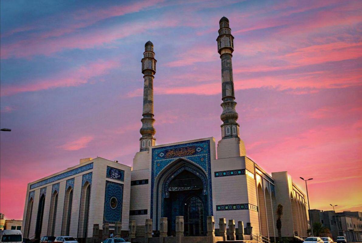 تصویر جلوگیری از افتتاح مسجد شیعیان قطیف در روز غید غدیر خم