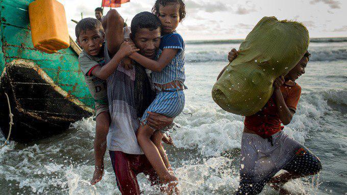 تصویر اجبار روهینگیاییها به پذیرش سلب تابعیت میانماری
