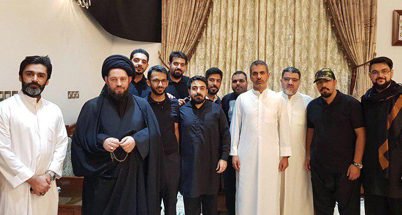 تصویر حضور آیت الله سید احمد شیرازی در مراسم عزاداری شیعیان کویت