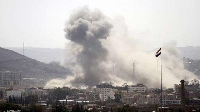 تصویر ادامه حملات  جنگنده های ائتلاف سعودی به یمن/42 حمله طی 12 ساعت