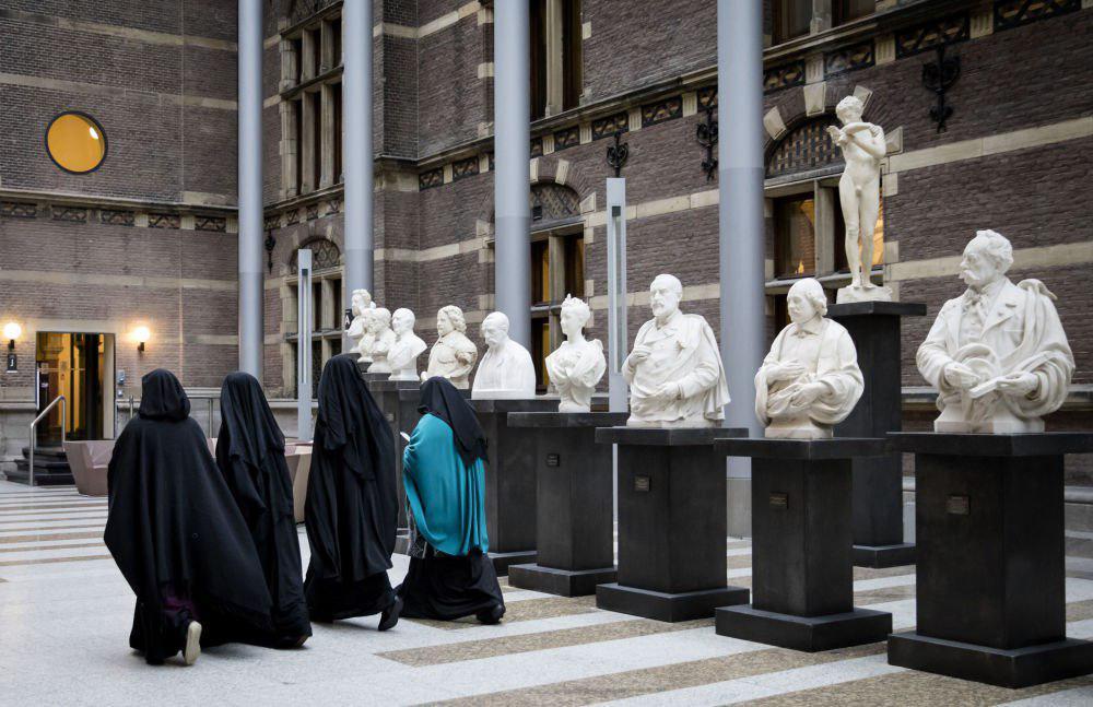 تصویر کارشناس سازمان ملل: ممنوعیت برقع در هلند مسبب اسلام هراسی است
