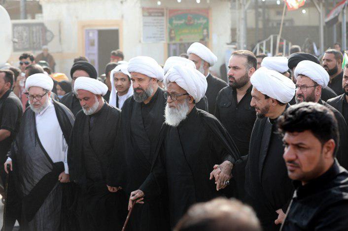 تصویر مشارکت  آیت الله العظمی شیخ بشیر النجفی در پیاده روی اربعین