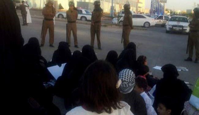 تصویر آل سعود تعدادی از زنان القطیف را بازداشت کرد