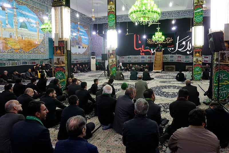 تصویر اجتماع عظیم عزاداران نبوی کشور ایران در مسجد امام زین العابدین علیه السلام شهر مقدس قم
