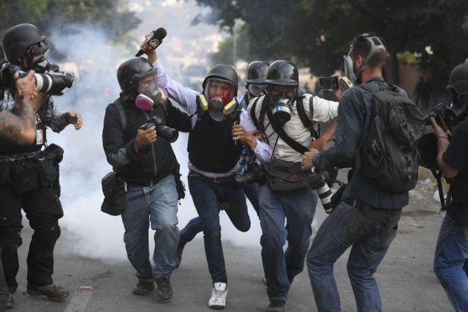 تصویر سازمان جهانی نفی خشونت: حمایت از روزنامه نگاران وظیفه جامعه جهانی است