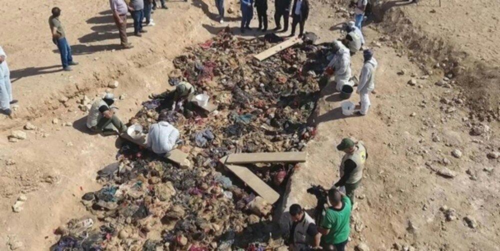 تصویر کشف 10 گور جمعی در جنوب عراق