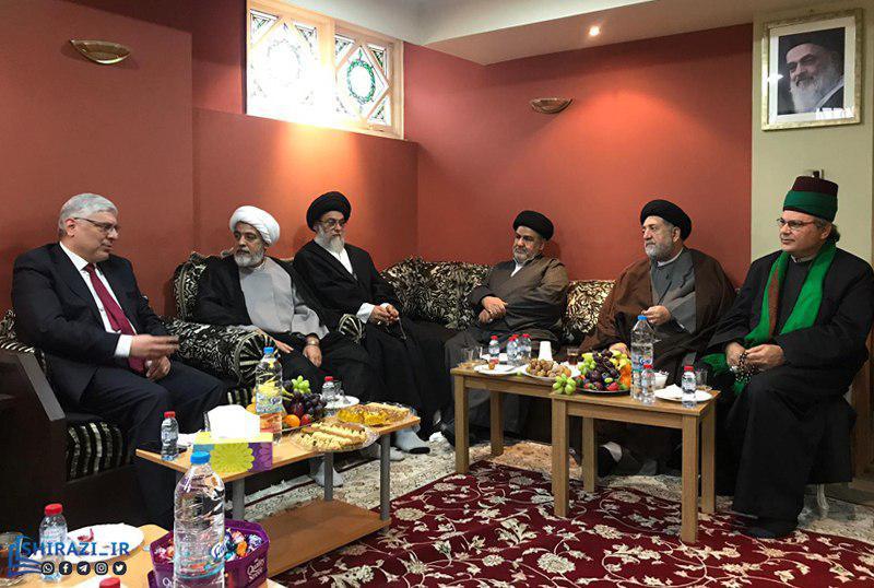 تصویر بازدید سفیر و کنسول کشور عراق در لندن از حسینیه رسول اعظم صلی الله علیه وآله