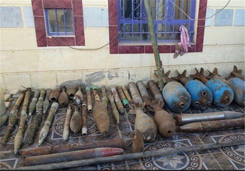 تصویر کشف انبار سلاح و مهمات داعش در استان الانبار