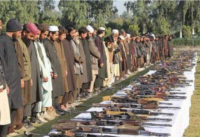 تصویر افغانستان: ۱۴۵۰ داعشی تسلیم نیروهای امنیتی شدند