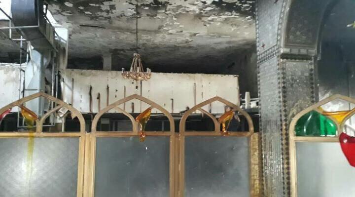 تصویر سرقت و آتش زدن یک امامزاده در شیراز