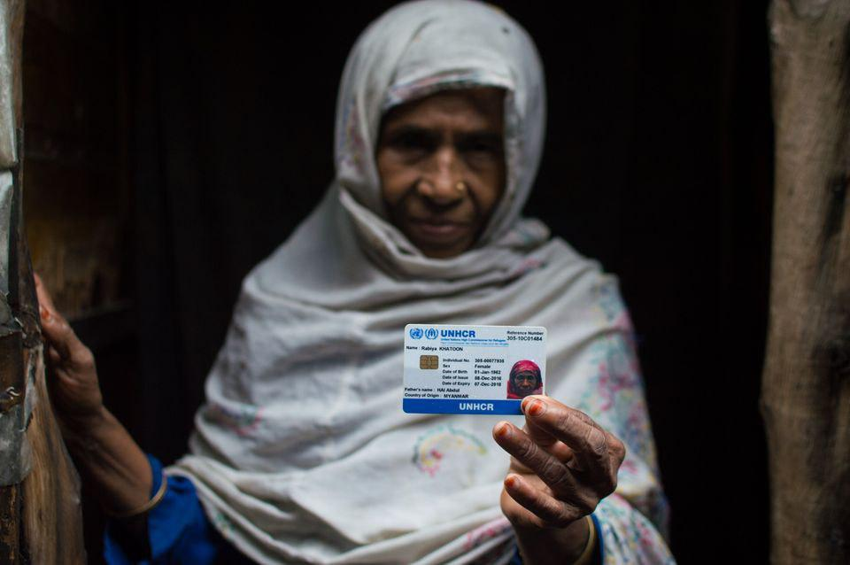 تصویر تهدید مسلمانان روهینگیایی از سوی پلیس هند