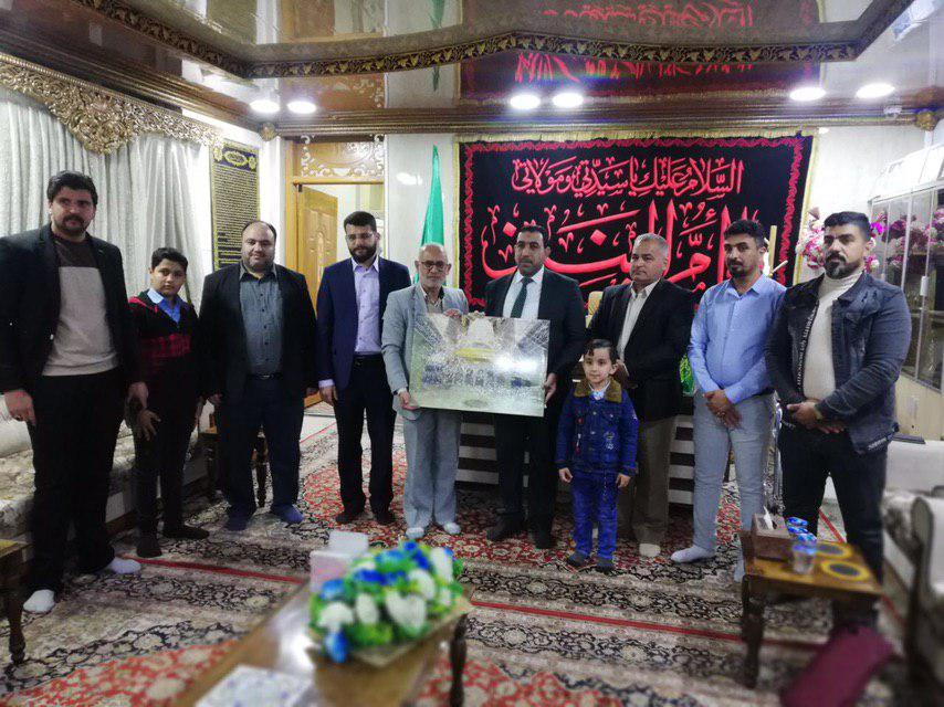 تصویر حضور اعضای مجموعه رسانه ای امام حسین علیه السلام در مزار حضرت شریفه علیهاالسلام