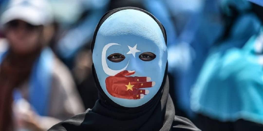 تصویر زنان مسلمان میگویند دولت چین آنها را مجبور به سقط جنین کرده است