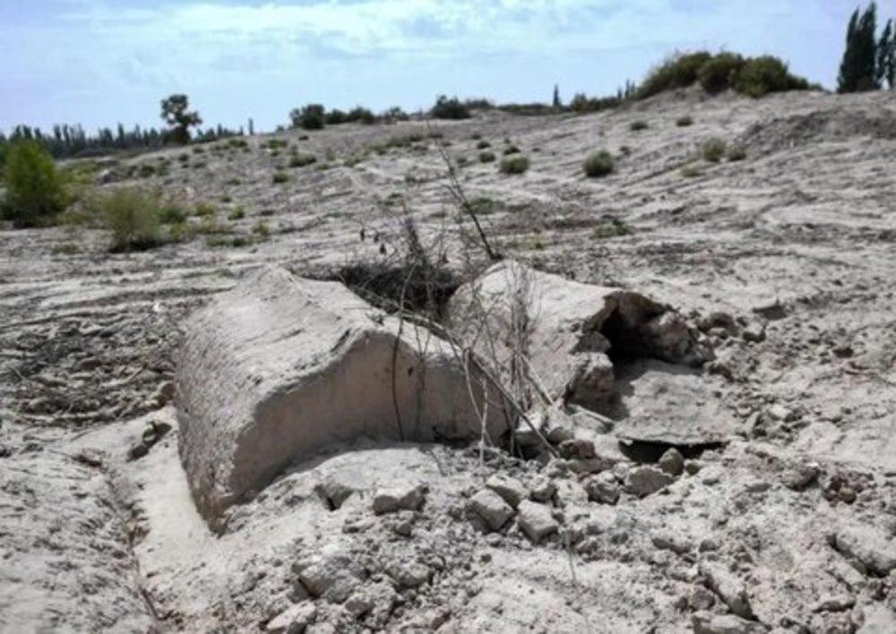 تصویر نابودی بیش از 100 قبرستان اسلامی اویغورها